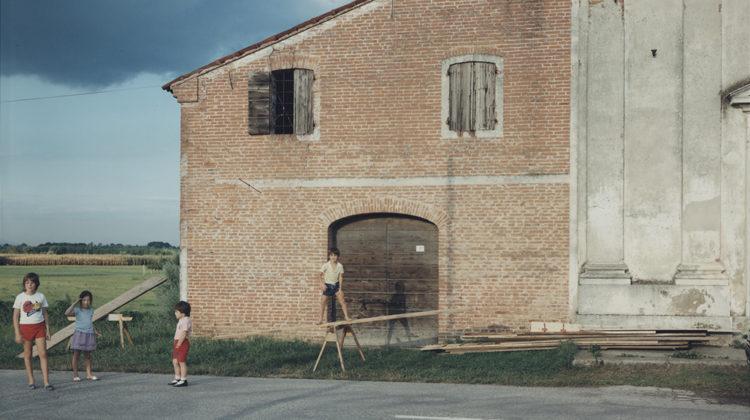 Guido Guidi Presina, Chiesa di Santa Colomba (Cittadella) 1985 Carta, processi di sviluppo cromogeno 24 x 30 cm (41,4 x 46,5 cm con cornice) Edizione 1/5 + 2 A. P.