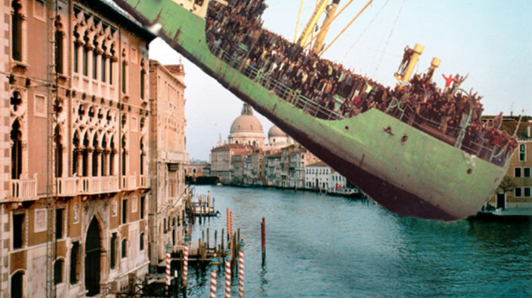Raffaella Crispino - Canal Grande + 2117 Clandestine (fronte) - 2005 - postcards 10x15cm