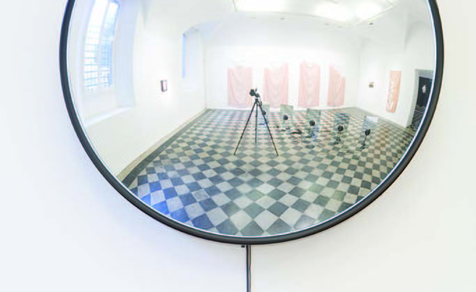 Alicja Kwade -  Space -  2008 -  Station-clock, concave mirror, microphone, speaker 90 x 35 cm