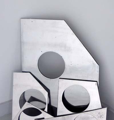 Magali Reus - Random Stranding - 2009 - Cast aluminium, 40 x 20 x 72 cm