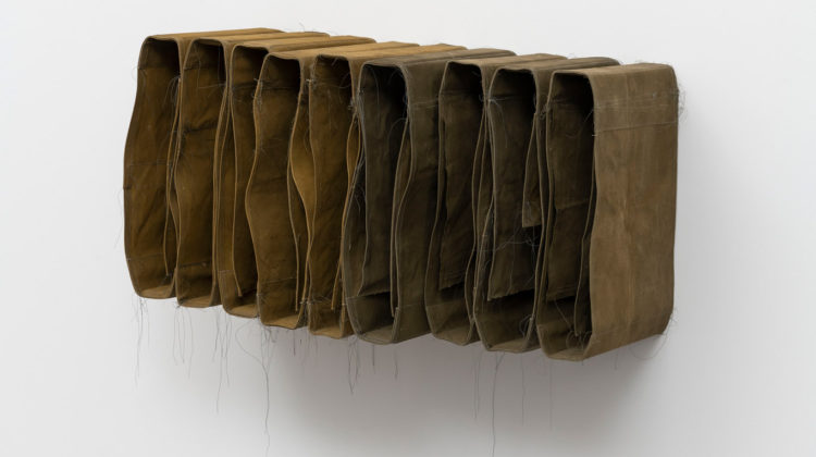 Simon Callery, Rural Wallspine, 2019, canvas, distemper, thread, wood, 50 x 93 x 42 cm, Photo credit: Giorgio Benni